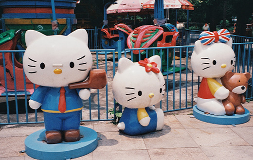 hello-kitty-statues-k