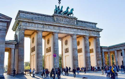 Brand front of the Brandenburg gate