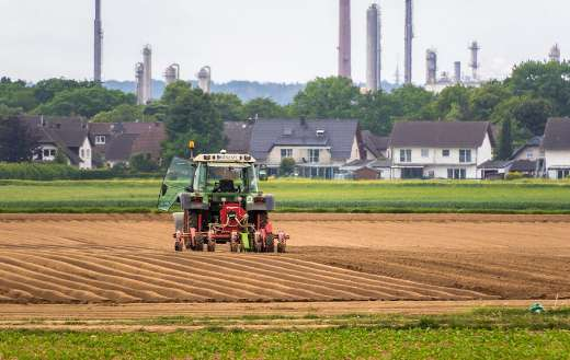 Houses fields tractor chimneys puzzle