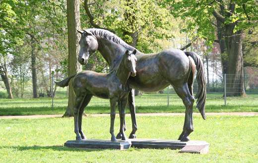 Still image monument horses breeding mares poet online
