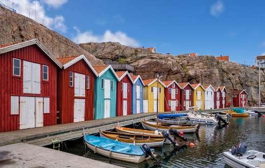 Fishermans colorful hut online