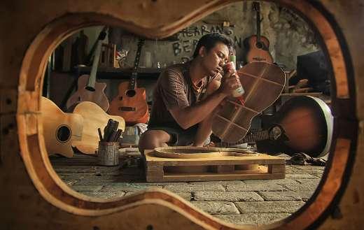 Wood workshop instrument online