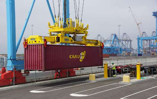 Maasvlakte Rotterdam port load containers online