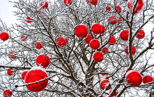 Christmas balls red tree winter puzzle