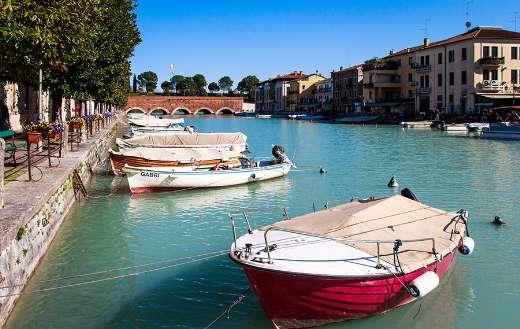 Peschiera Del Garda boat port Italy online