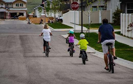 Family bikers online