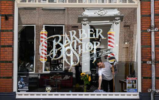 Barbershop Amsterdam window