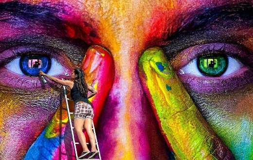 Wall art spray puzzle