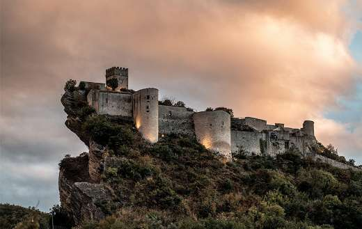 Fortresses in the rock italy online