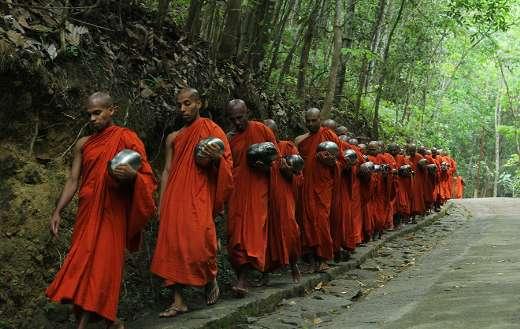 Sri Lankan buddhist monks
