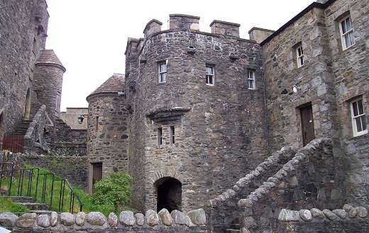 castle eilean donan Scotland loch online