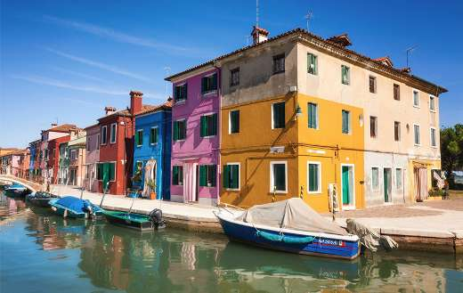 Colorful apartments online