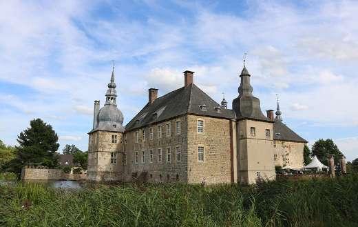 Lembeck castle moat architecture online