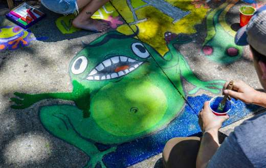 Painting green frog on ground online