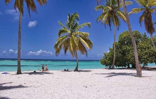 Travel-vacation-summer-ocean-beach
