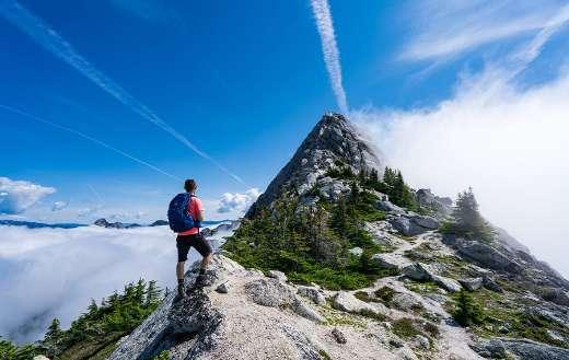 Man mountain hiking online