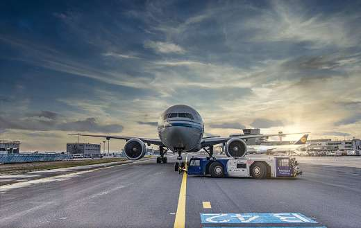 Tarmac airport runaway puzzle