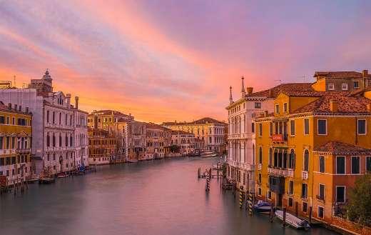 Venice river sunset view online