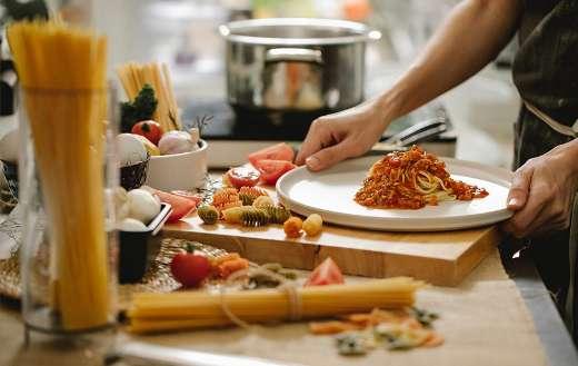 Meal preparation spaghetti pasta